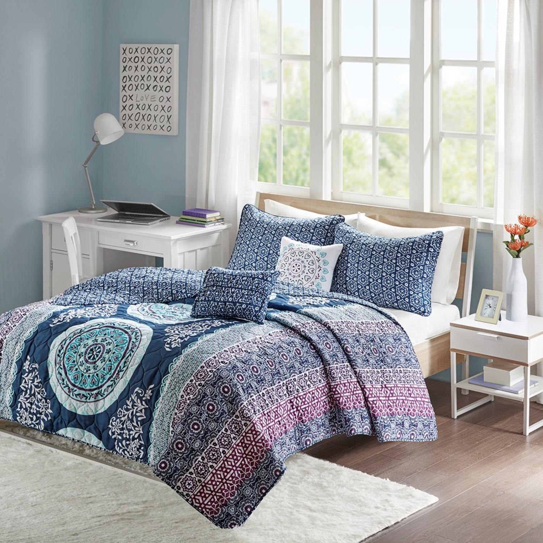 Loretta Navy By Intelligent Design Beddingsuperstore Com