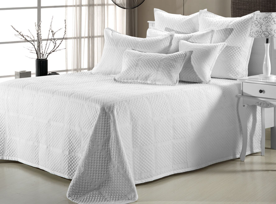 Crista Coverlet by Nygard Home Bedding