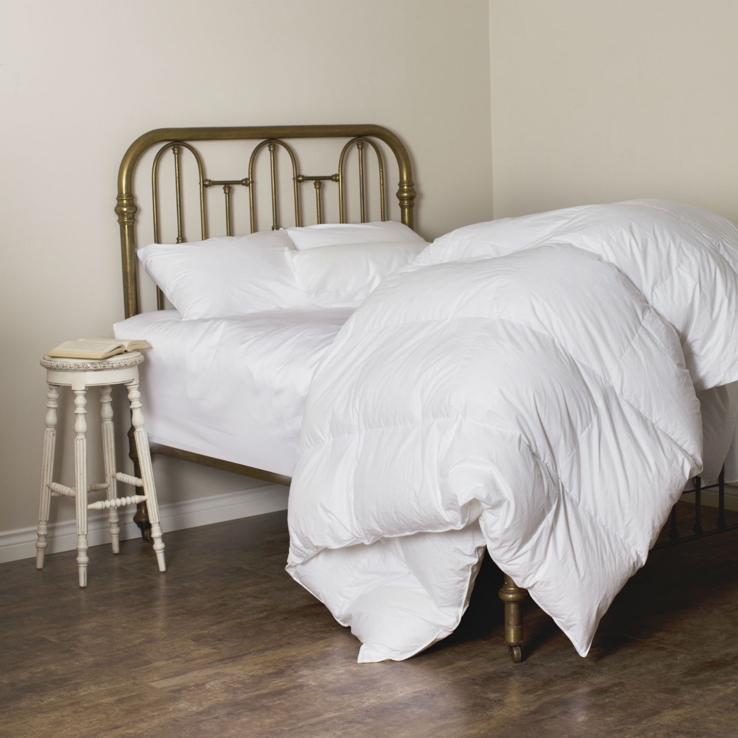 Laroche Canadian White Duck Down Duvet/Down Comforter by St. Geneve Luxury Bedding