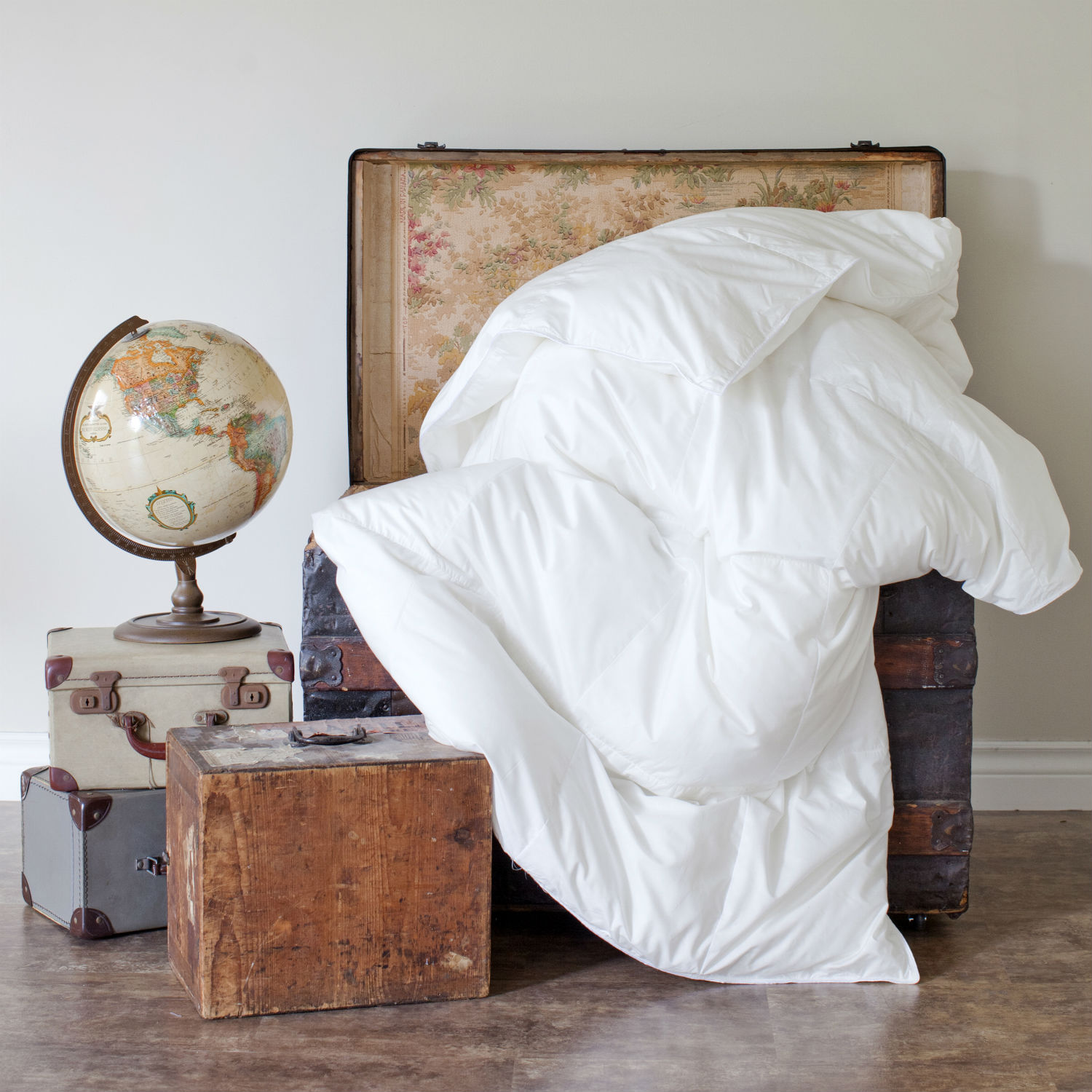 Travel Duvet/Down Comforter by St. Geneve Luxury Bedding