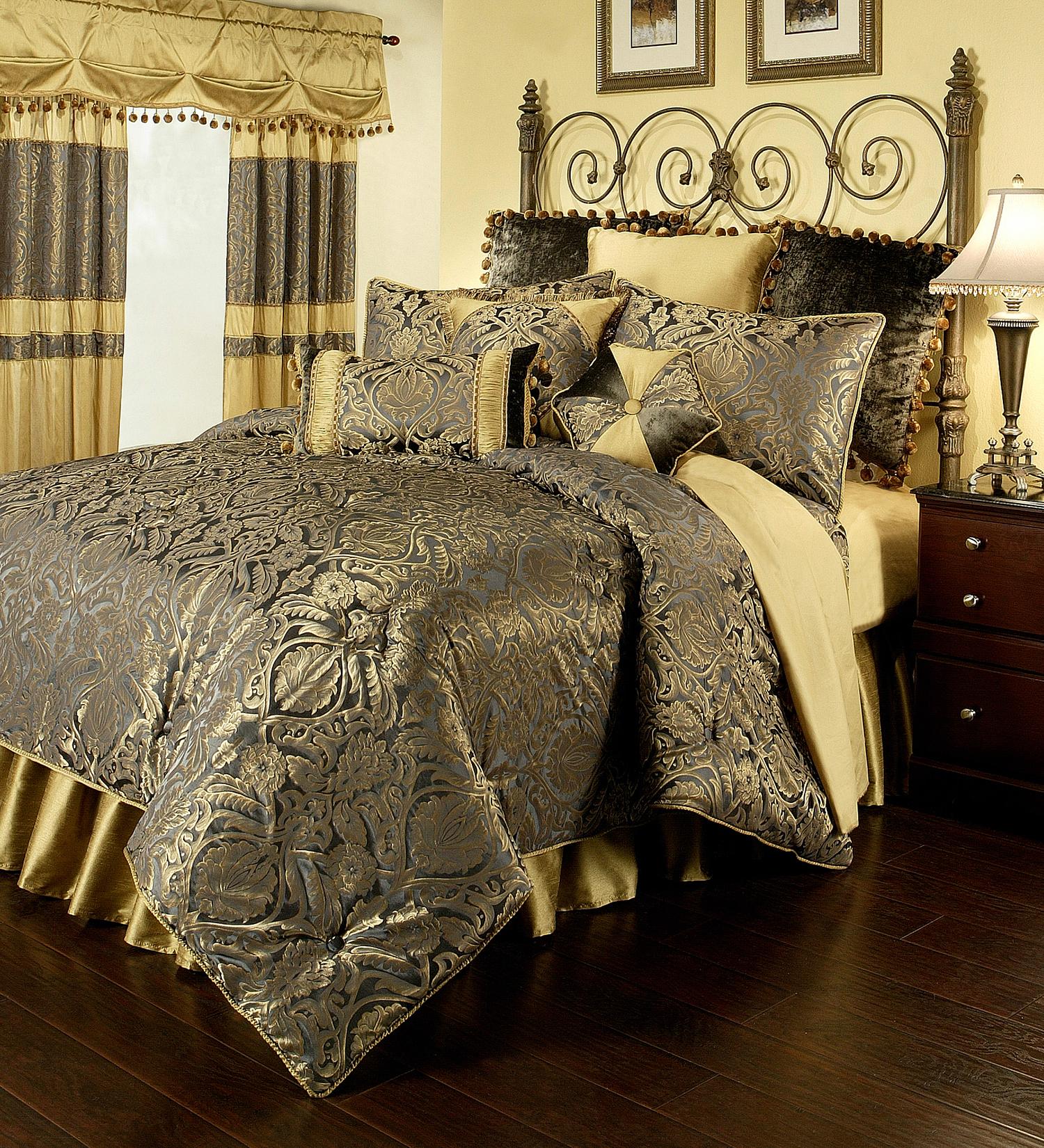Fountain Blue By Austin Horn Luxury Bedding Beddingsuperstore Com