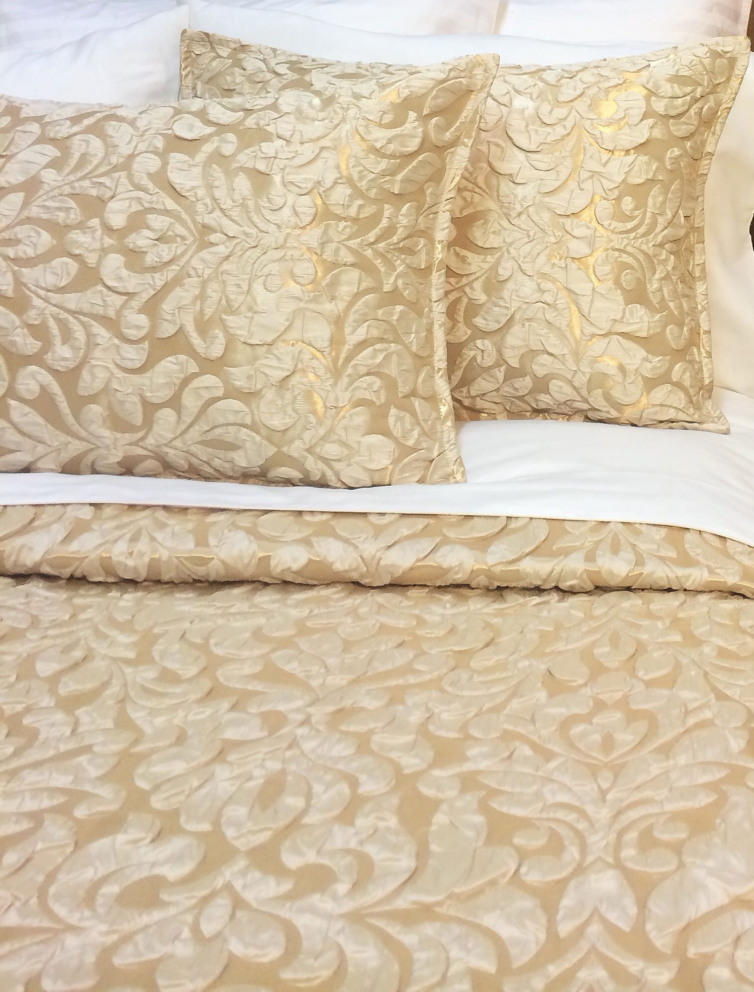 Ava by Isabella Luxury Linens