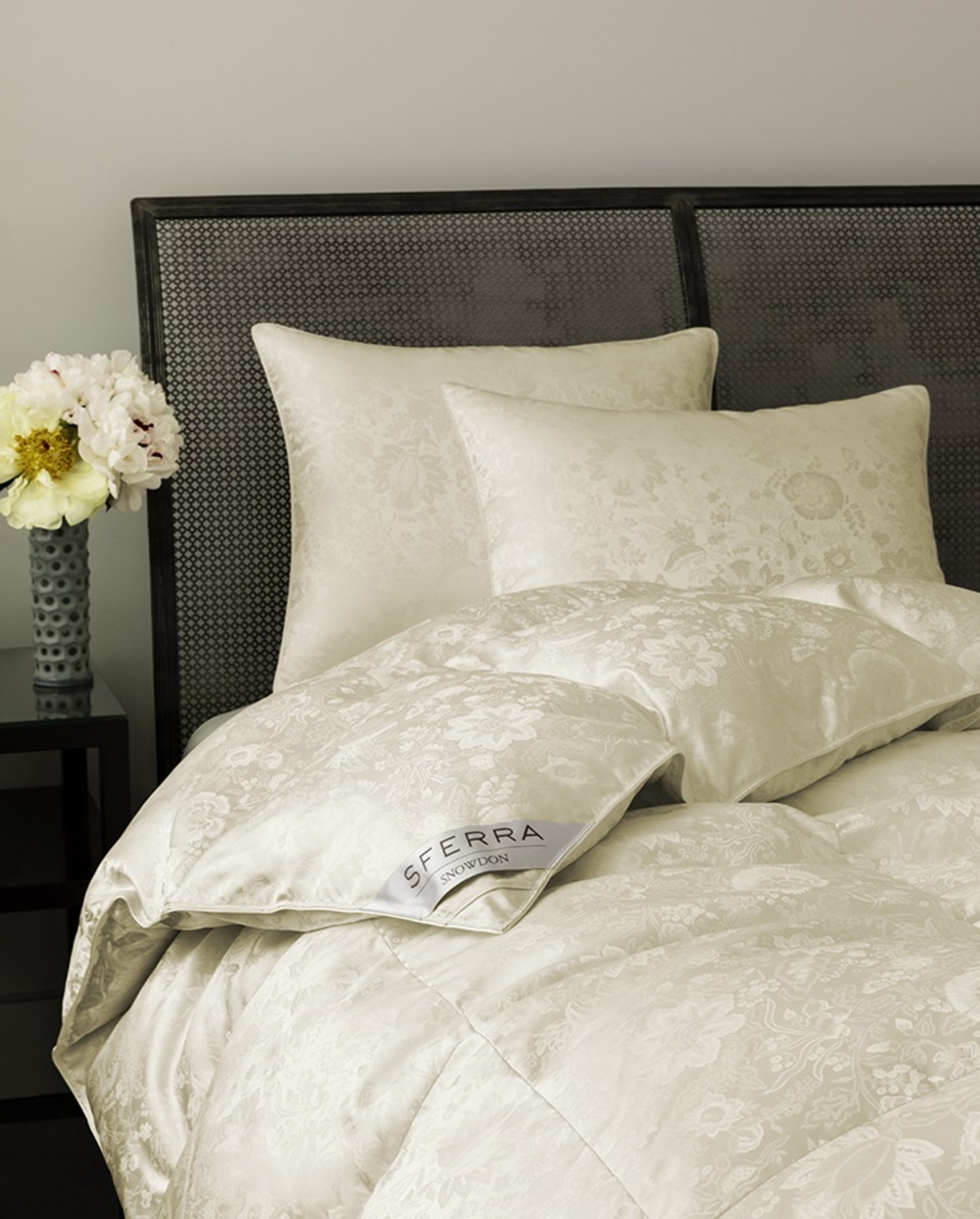 Snowdon Duvets Amp Pillows Collection By Sferra Fine Linens