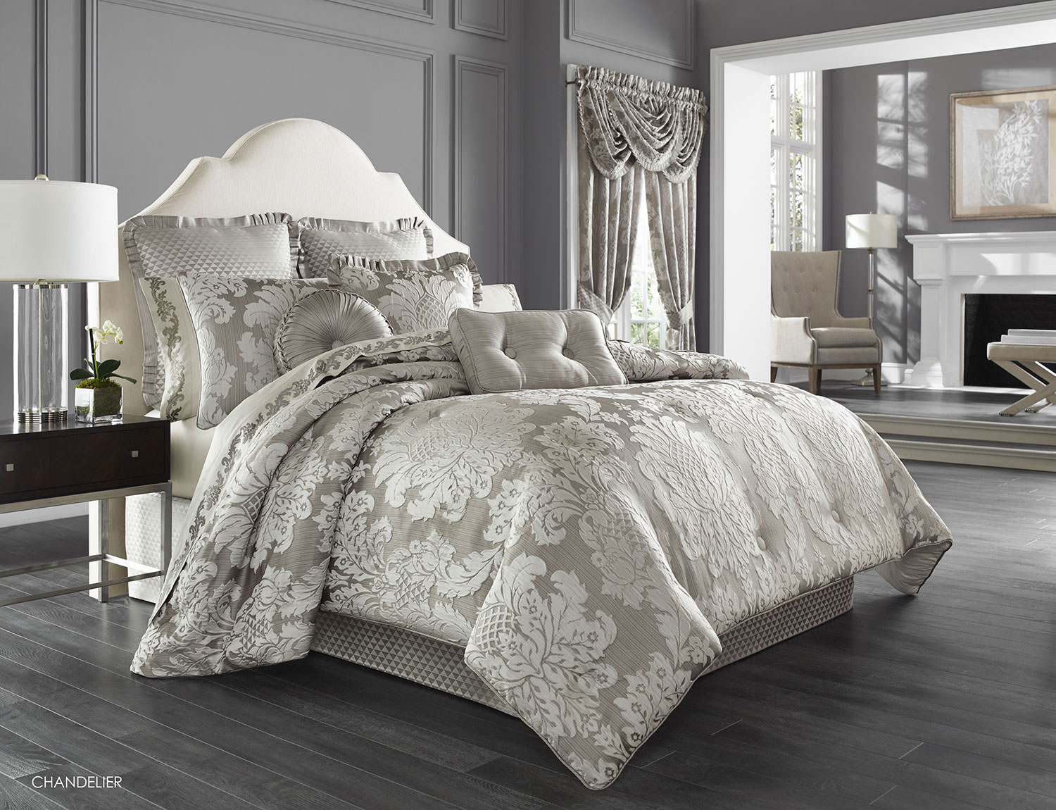 Chandelier by j queen new york for Luxury hotel 660 collection bed skirt