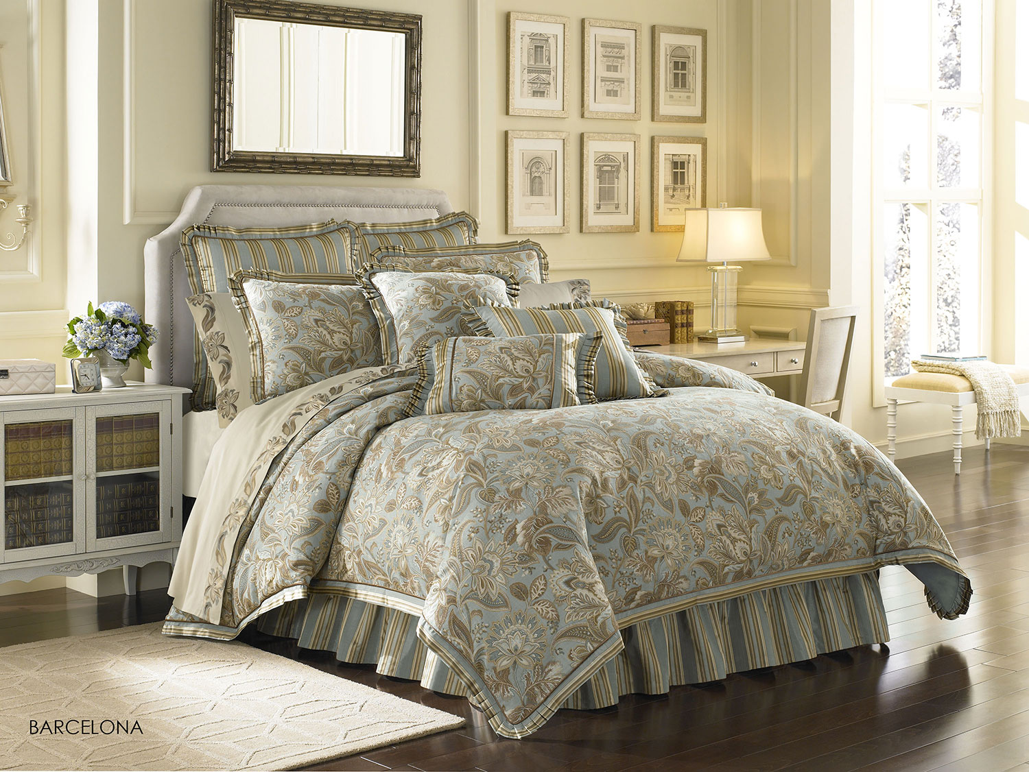 zoom in barcelona by j queen new york u2013 categories bedding previous article - J Queen New York Bedding