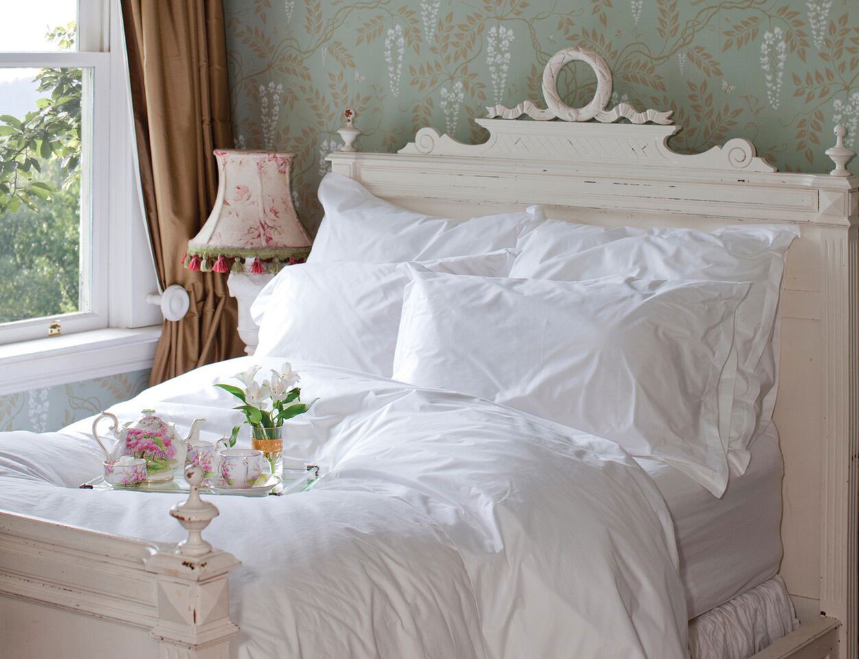 Hotel Roma By St Geneve Luxury Bedding