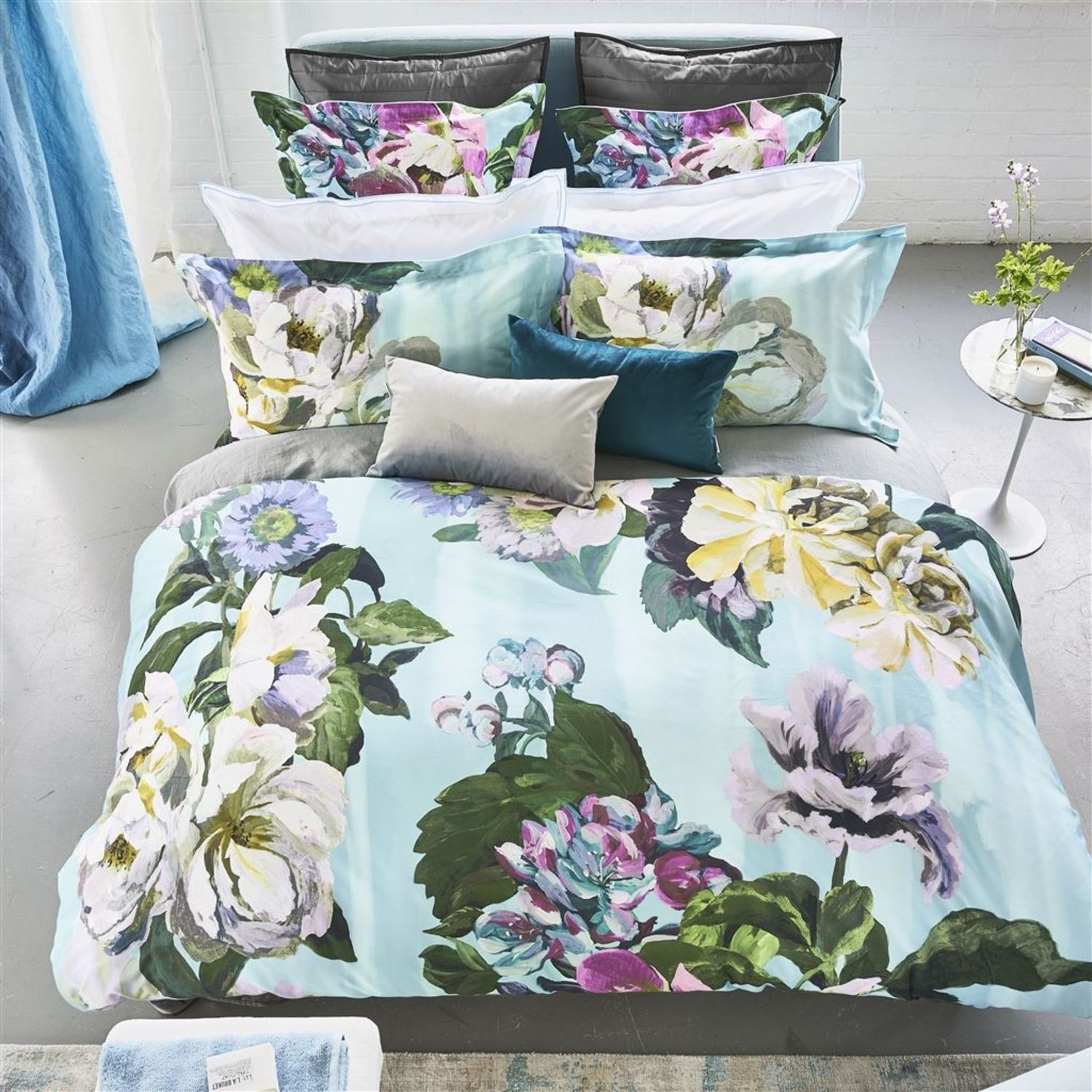 Delft Flower Sky By Designers Guild Bedding Beddingsuperstore Com