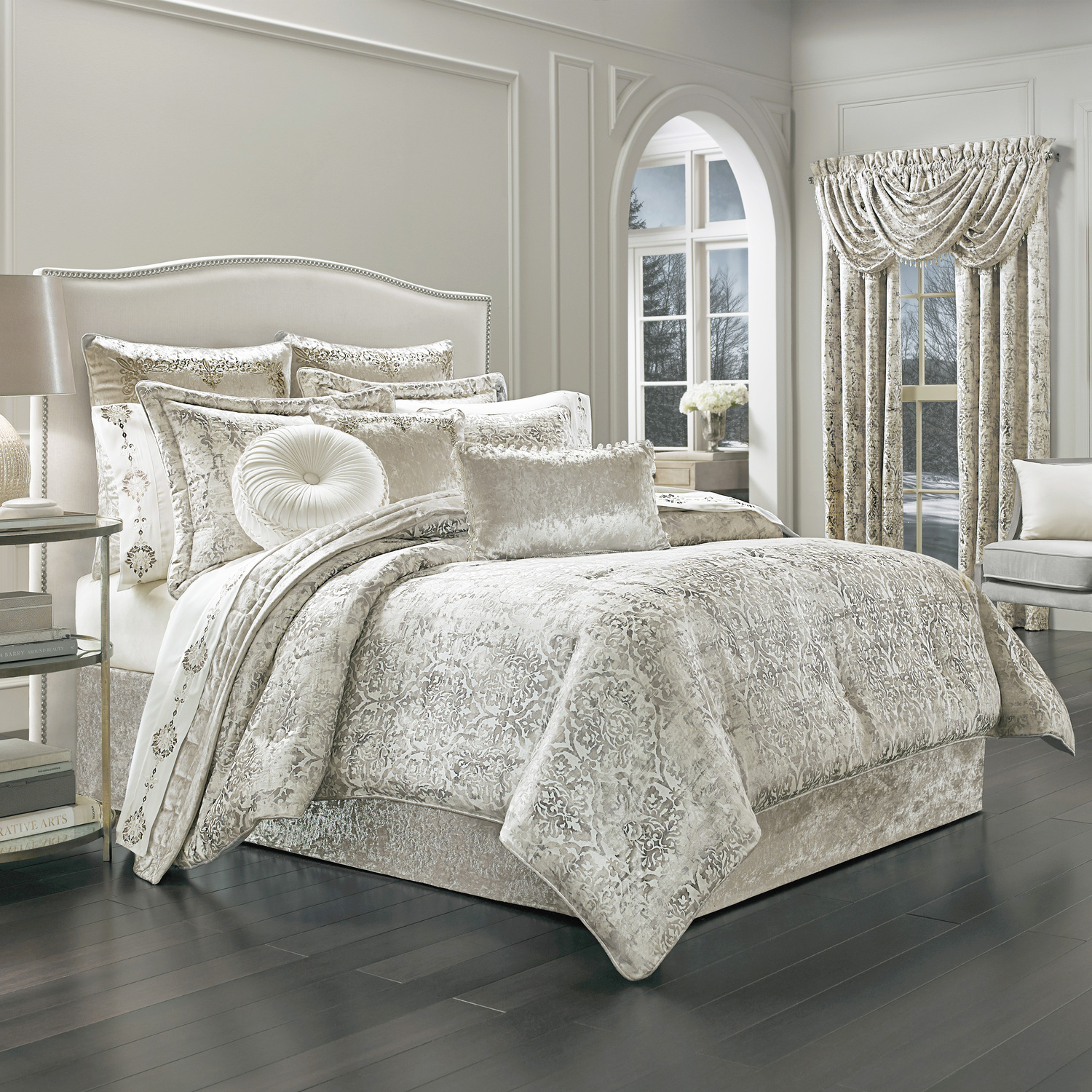 girl of part tuscan york for blue king bedcomforter set comfort pictures queencomfort croscill sebastian breathtaking full comforter size concept and at grey red sets hotel bedding brown teen com new home