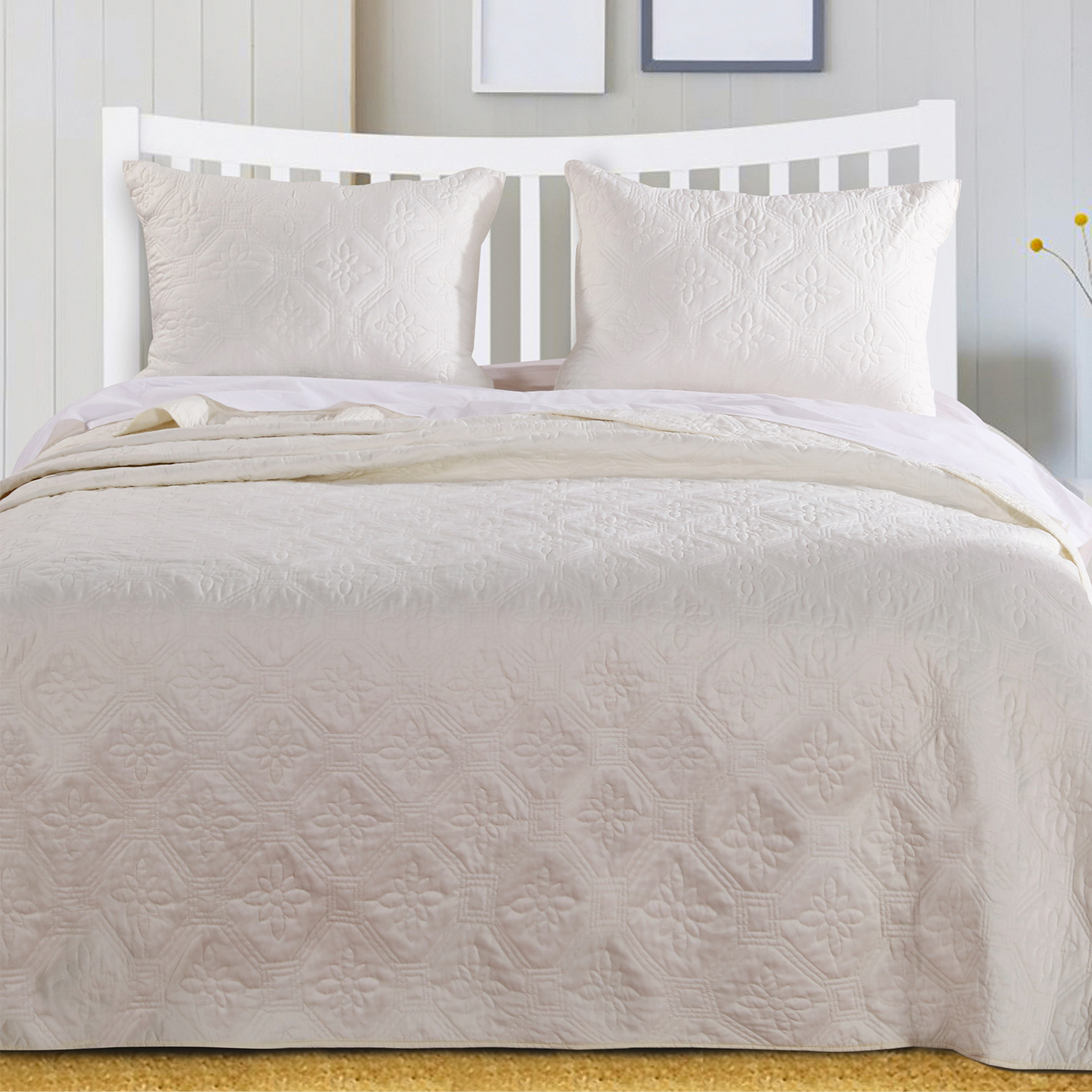 Central Park Ivory Bedspread by Greenland Home Fashions