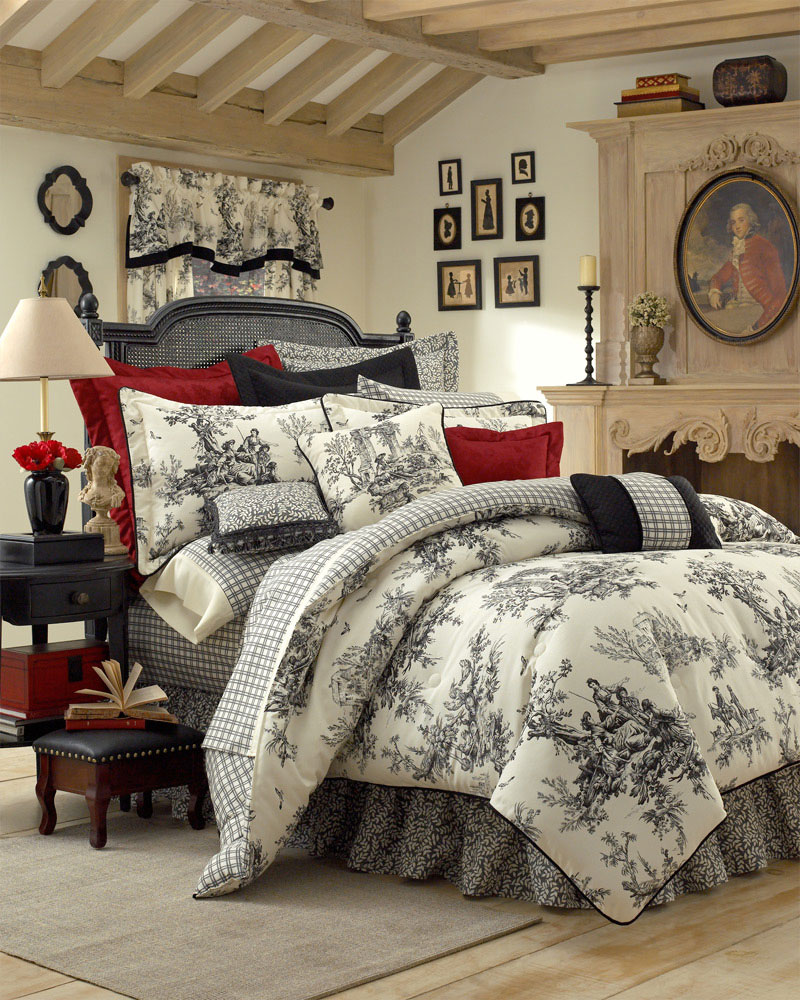 Blue and white toile bedding - Zoom In