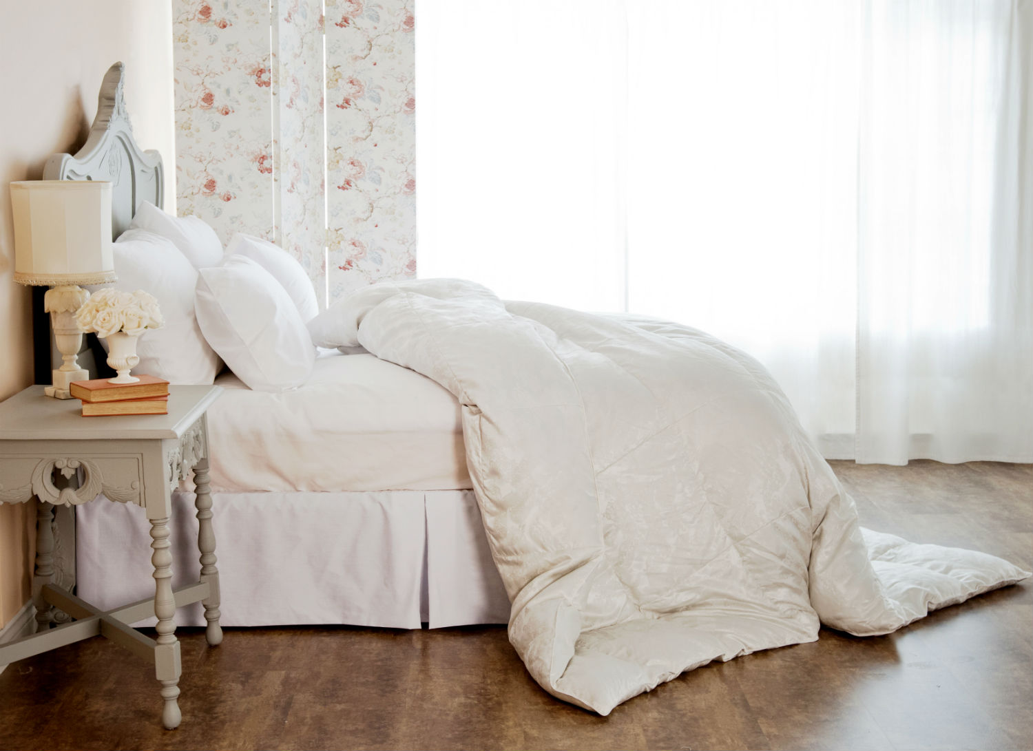 Genuine Eiderdown With Silk Cover Duvet/Down Comforter & Pillows by St. Geneve Luxury Bedding