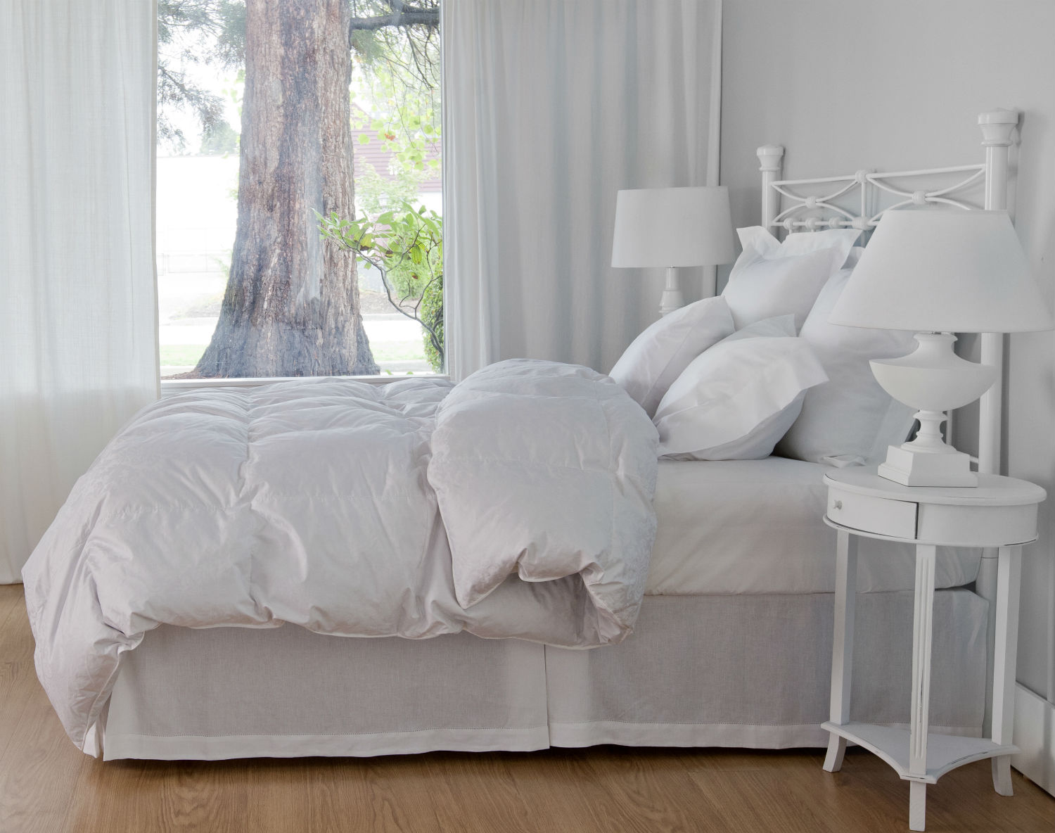 Genuine Eiderdown With Cotton Cover Duvet/Down Comforter & Pillows by St. Geneve Luxury Bedding