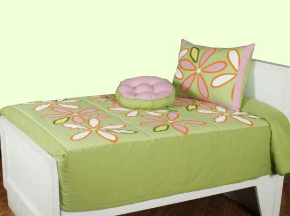 daisy   green by rizzy home bedding   beddingsuperstore
